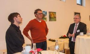 Peter Winterstein und Absolventen im Gespräch